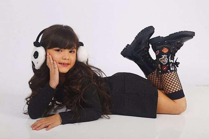 Mini Blogueira Giuliana Morais lança linha de calçados infantis 1