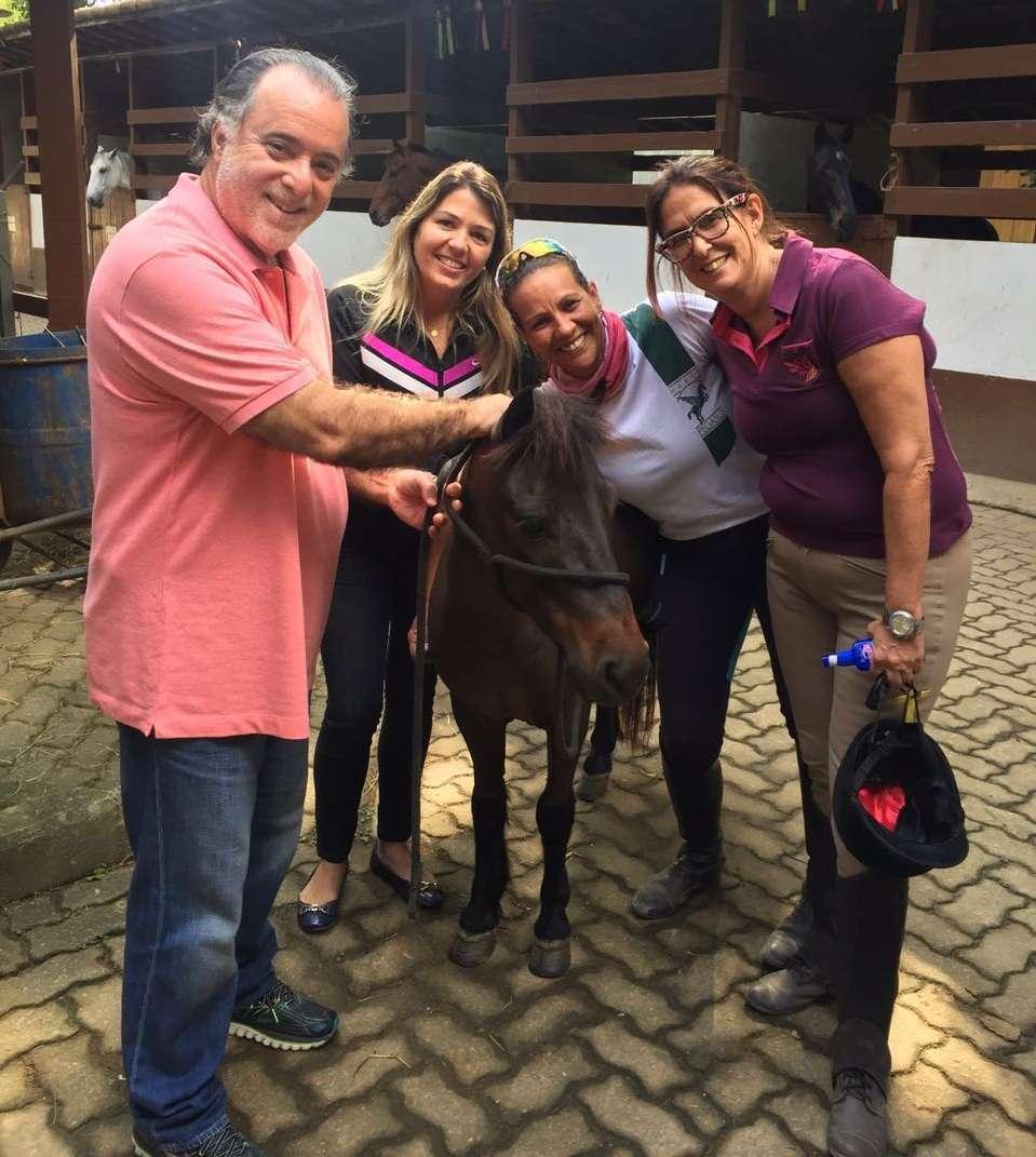 Tony Ramos realiza aulas de Hipismo Rural no Rio de Janeiro 2