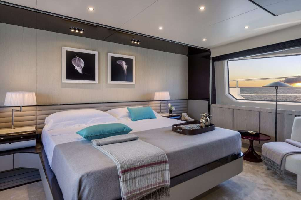 AzimutGrande-95RPH_Owner-Cabin-2-1024x683 Title category