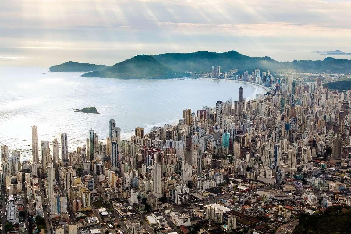 Estratégias para o desenvolvimento urbano de Balneário Camboriú 10