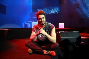 Luan Santana estreia programa ao vivo no canal Multishow 8