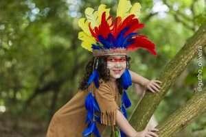 Mini Fashionista, Giovanna Marques, posa para ensaio temático inspirado nos índios 5