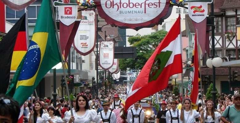 Desfile Oktoberfest 2017 - Foto Pesquisa Google/Divulgação