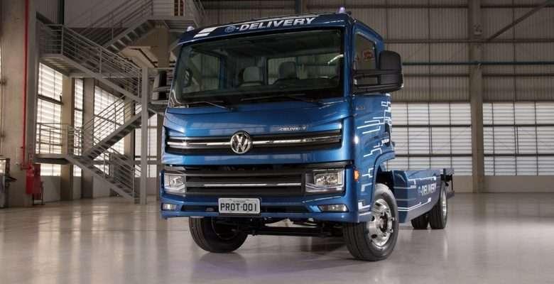 apresenta o primeiro caminhão 100% elétrico desta categoria totalmente desenvolvido no Brasil