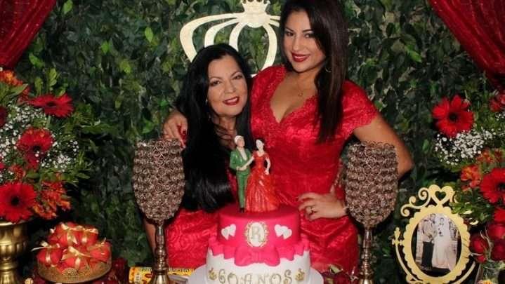 A atriz Desirée Oliveira surpreende a mãe com big festa surpresa no Rio de Janeiro 1