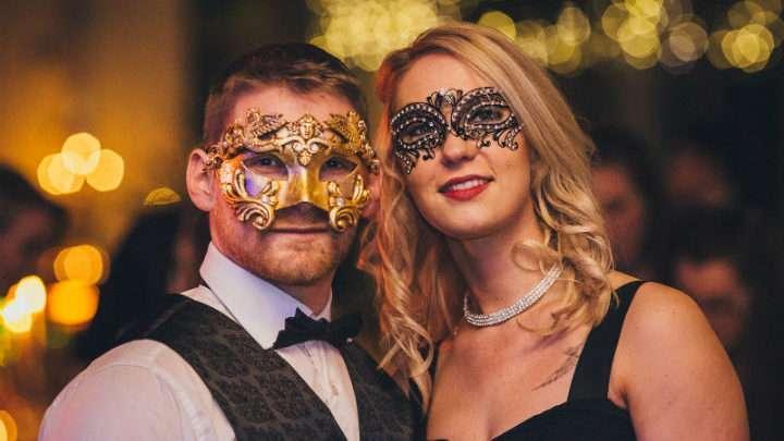 Carnaval e relacionamentos combinam num período que muitos buscam diversão? 1