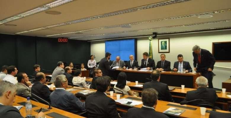 Deputado Colatto. Atuação como presidente da Frente Parlamentar em Defesa de Municípios