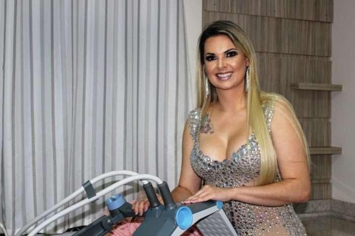 1-A-comandante-da-Emporium-da-Beleza-Ana-Paula-Freitas-Ferro-720x480 Title category