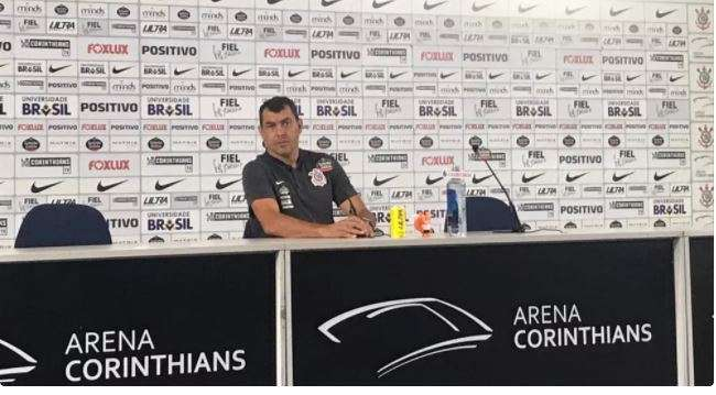 Torcida da fiel em treino aberto fez a festa para o Corinthians na Arena 1