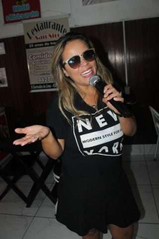 Viviane-Alves-Im.001-e1526067875339 Title category