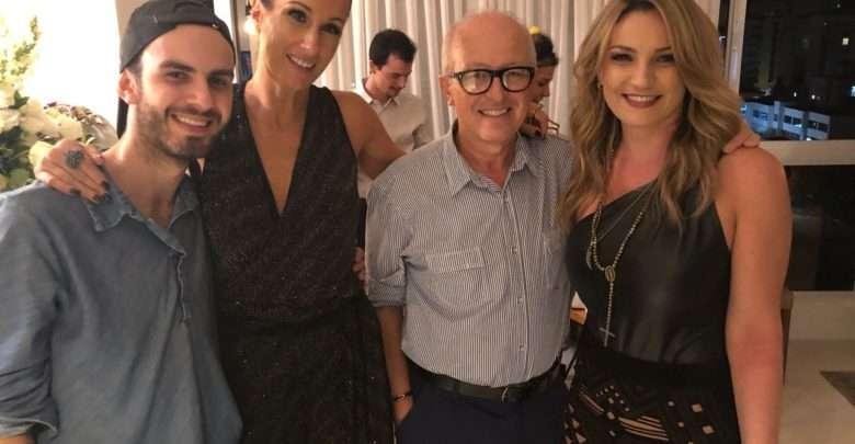 Héctor Albertazzi na Terrinha, Lizzy Savaris reuniu amigas. 1