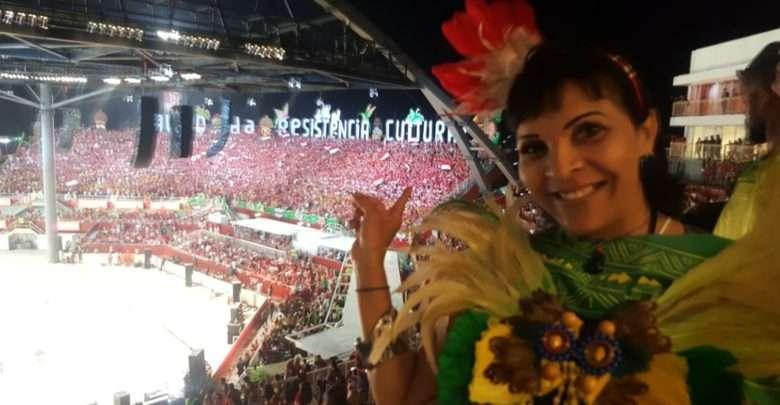 A Dama Do colunismo Aninha Monteiro prestigia Festival de Parintins