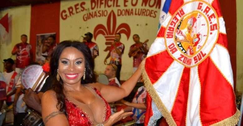 Rainha da bateria Anny Santos aproveita os embalos de pré-carnaval com a Alegria da Zona Sul 1