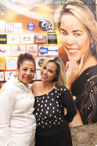 Apresentadora e atriz Viviane Alves comemora em grande estilo a festa de um ano do seu programa 26