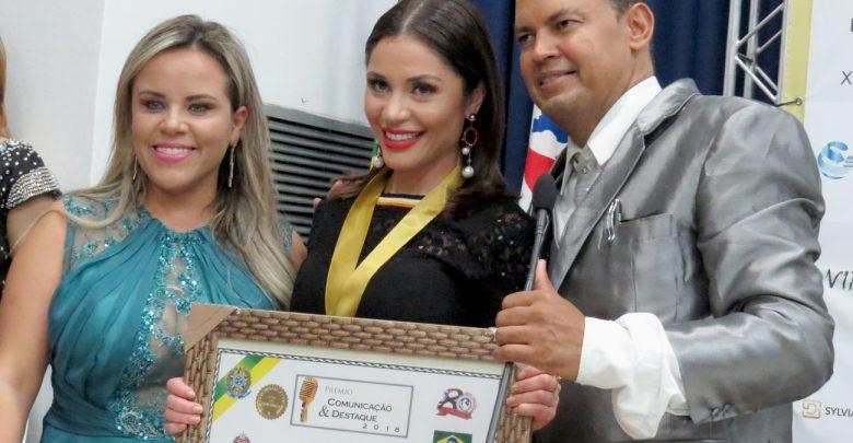 Prêmio Comunicação e Destaque homenageia profissionais de Destaques em 2018 1