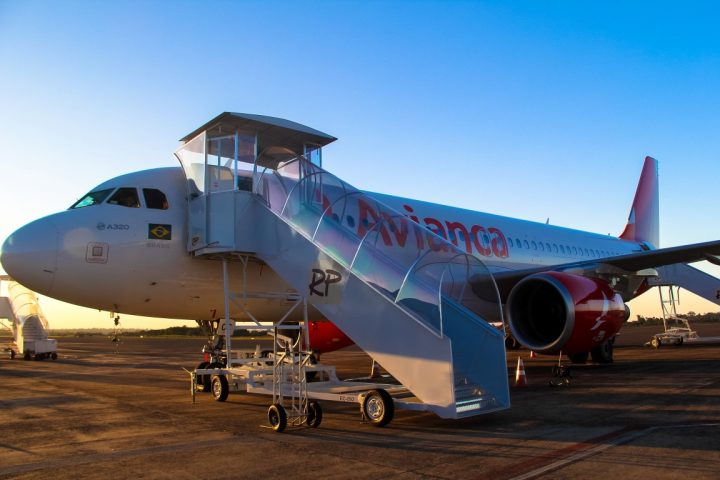 Avianca cancela 300 voos