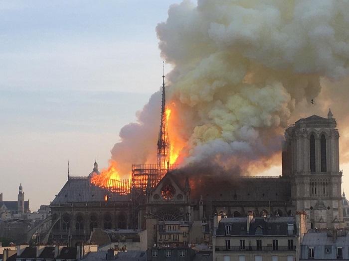 Indignação com a repercussão do Notre Dame - Divulgação