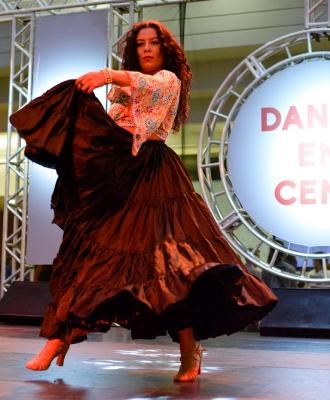 Dança em Cena apresenta-se no Floripa Shopping 1