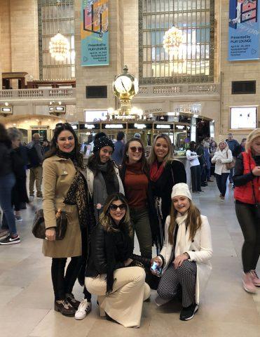 Larissa Manoela e Lucas Jagger comemoram aniversário de Sophia Volpe em NY 10