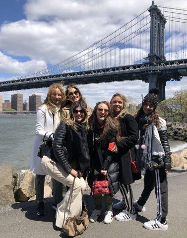 Larissa Manoela e Lucas Jagger comemoram aniversário de Sophia Volpe em NY 8
