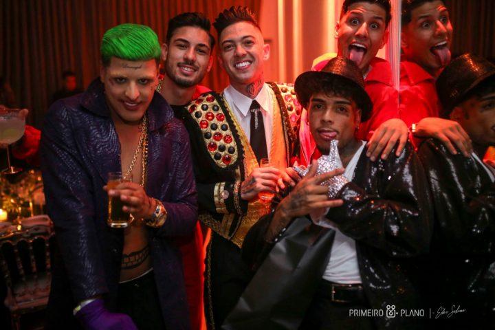 Mc Kevin comemora aniversário com festa à fantasia ao lado de famosos 17