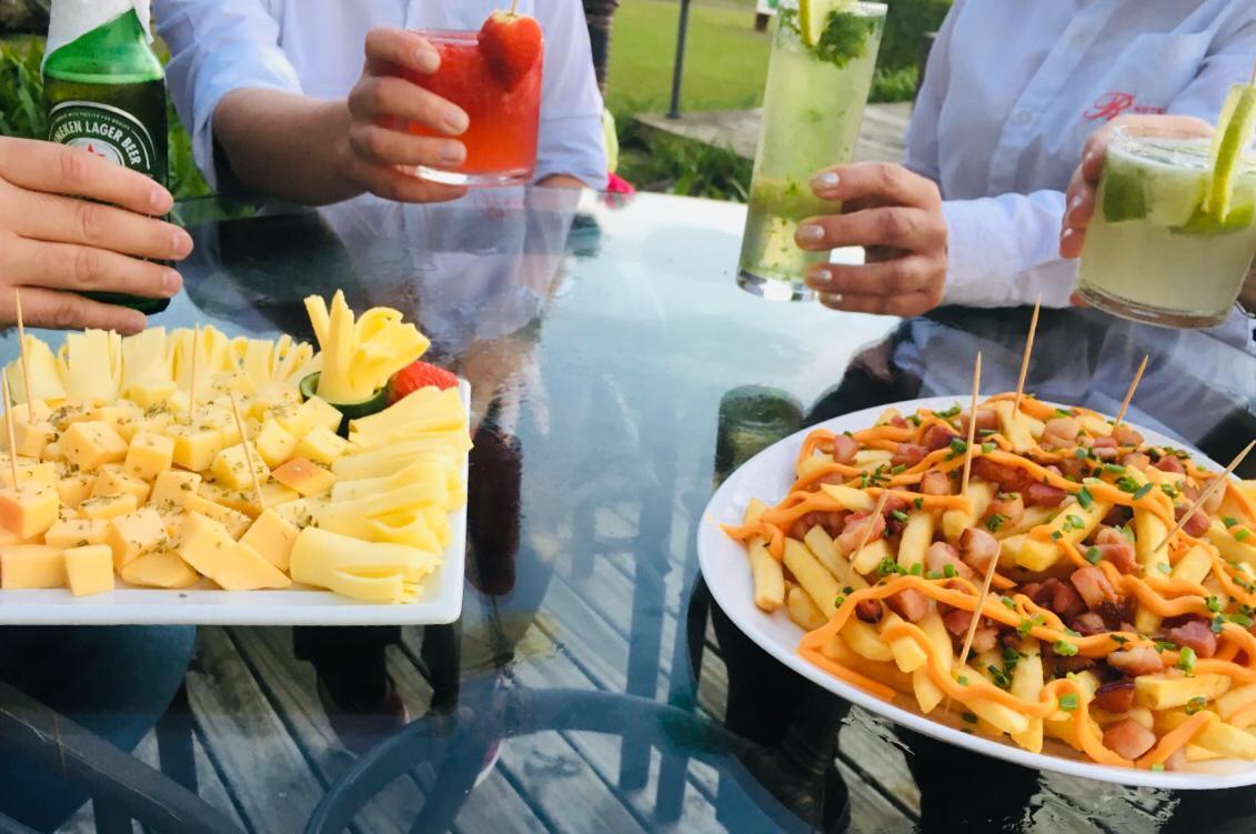 Hotel Renar inaugura Happy Hour com chopp em dobro 3