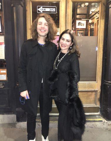 Larissa Manoela e Lucas Jagger comemoram aniversário de Sophia Volpe em NY 6