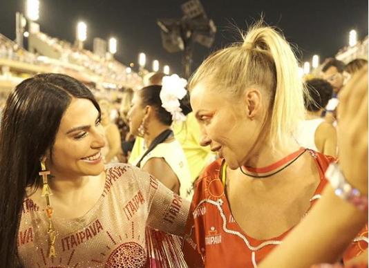 Conheça Adriana Coutinho, a rainha das mídias sociais 4