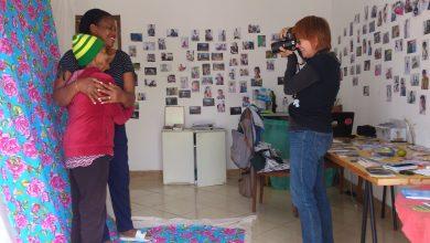 Artista criou um estúdio fotográfico gratuito que registra a vida dos moradores do bairro Zilah Spósito, na região Norte de BH 2