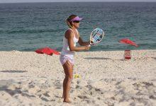 Fabiana Boal disputa campeonato debeach tennis, no Rio 11