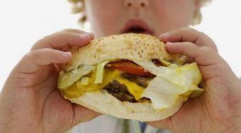 Além da falta de educação, comer de boca aberta pode fazer muito mal à saúde 2