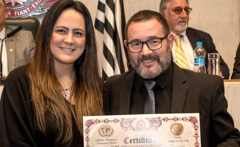 Priscila Menin e Comendador Reinaldo Dutra  - Foto: Cassia Benicio