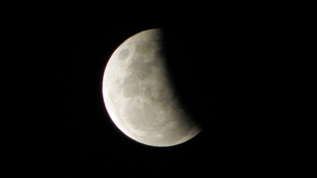 Mais uma eclipse lunar acontece no final da tarde desta terça e poderá ser visto na maior parte do país