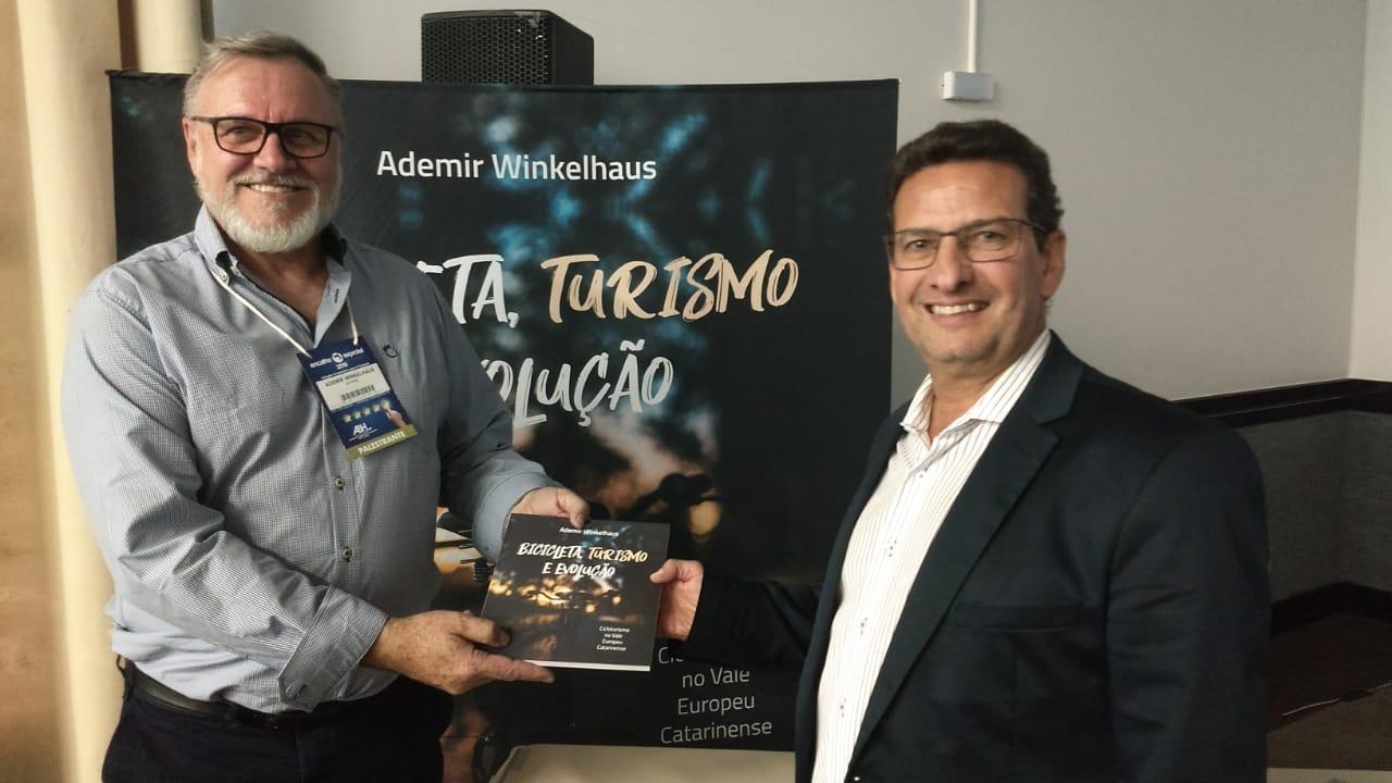 Ademir Wilkelhaus e Wilson Macedo