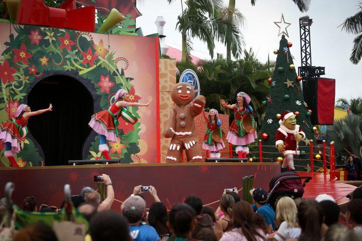 A partir de 1º de novembro, o parque abrirá diariamente para dias de muita fantasia e diversão. Como grande novidade da temporada de Verão, o ogro mais amado do cinema volta a protagonizar o musical teatral 'Natal do Shrek'.