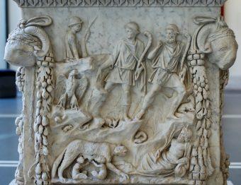 Altar para Marte e Vênus (Ostia, 98-117, agora no Palazzo Massimo alle Terme, Roma)