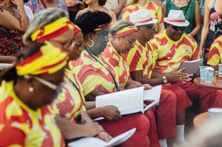 Dia nacional do samba é comemorado na Escadaria do Rosário